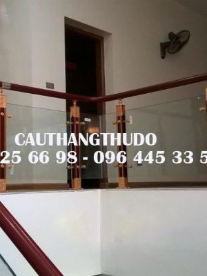 Cầu thang tay vịn nhưa (4)
