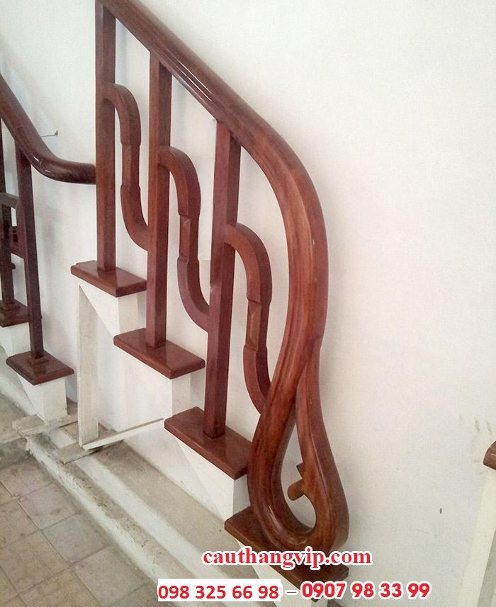 Cầu thang gỗ VIP G05