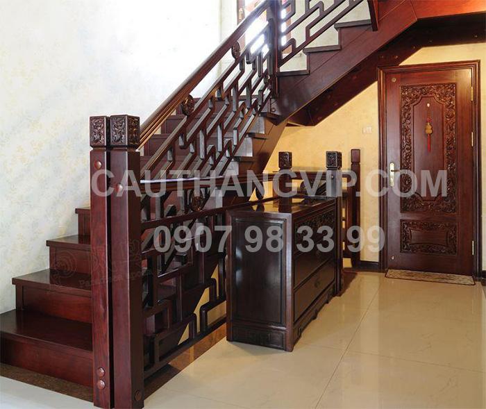 Cầu thang gỗ VIP G13