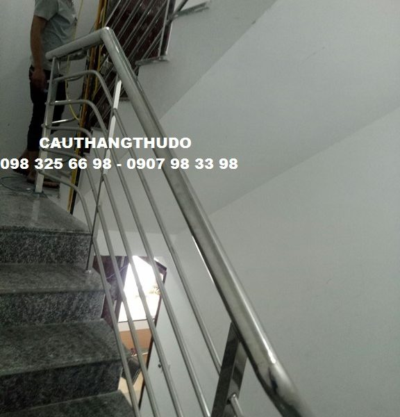 cau-thang-inox-tay-vin-inox (12)