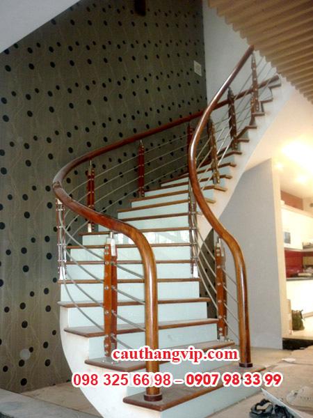 Cầu thang kính INOX I02