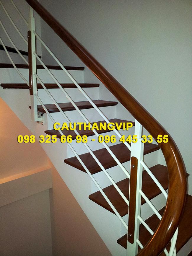 Báo giá cầu thang sắt VIP S01