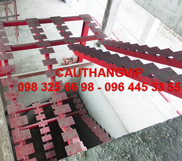 cau-thang-xuong-ca-XS06